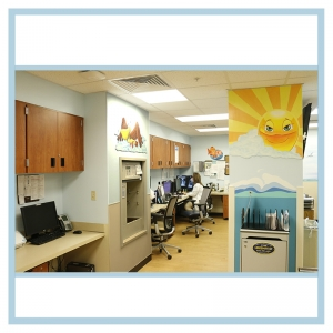 hospital-murals-art-on-walls-sun-birds-fish-healthcare-design