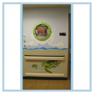 turtles-porthole-frame-waves-hospital-art-murals