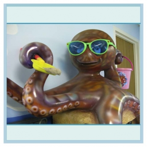3d-fiberglass-octopus-pediatrics-hospital-art