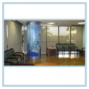 column-underwater-theme-mural-hospital-art-healthcare-design