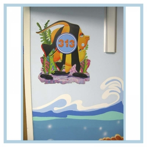 room-markers-3-d-fish-coral-and-waves-on-walls-hospital-design-healthcare-art-doors