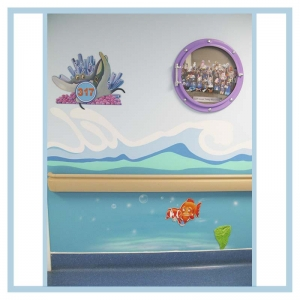 room-markers-3-d-fish-coral-and-waves-on-walls-hospital-design-healthcare-art-stingray-porthole