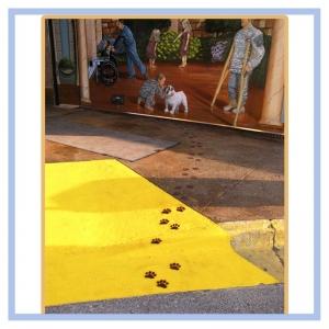 dog-prints-on-sidewalk-tuscany-mural-healthcare-design-hospital-art