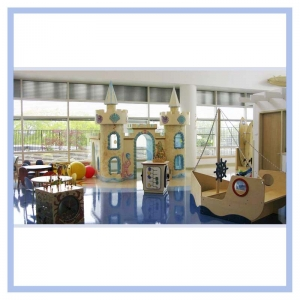 sandcastle-playhouse-hospital-art-healthcare-design-murals-custom-fabrication
