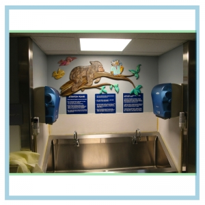 bear-on-log-with-owl-hospital-design-neonatal-art
