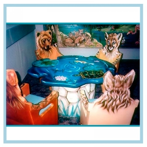 custom-table-and-chairs-animals-hospital-design-murals