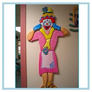 girl-clown-wall-art-hospital-design