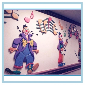 musical-clowns-hospital-art-in-cancer-unit