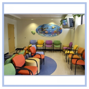 colorful-underwater-theme-3d-fish-and-coral-doctors-office-art-healthcare-design