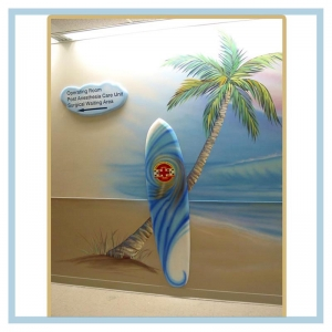 surfboards-tiki-hut-signage-healthcare-art-hospital-design-palm-tree-beath-theme