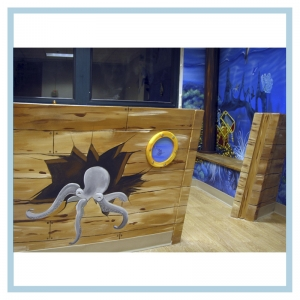 pirate-shipwreck-kids-playroom-military-hospital-art-healthcare-design-underwater-theme-3d-fish